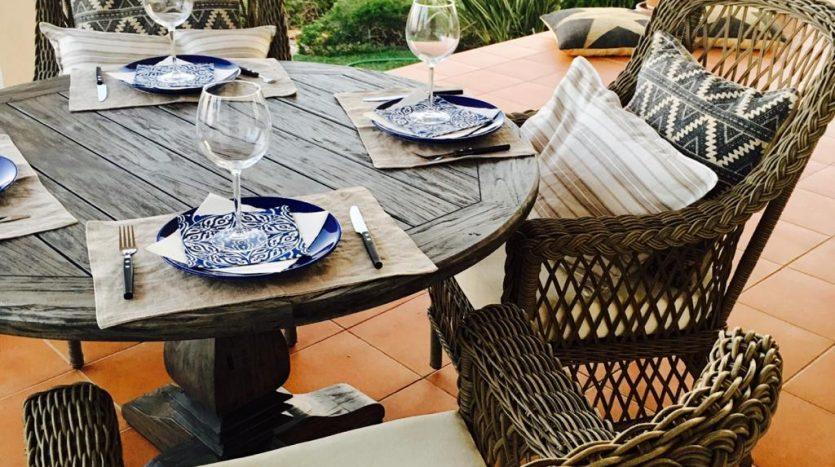 terrace-dinning-835x467